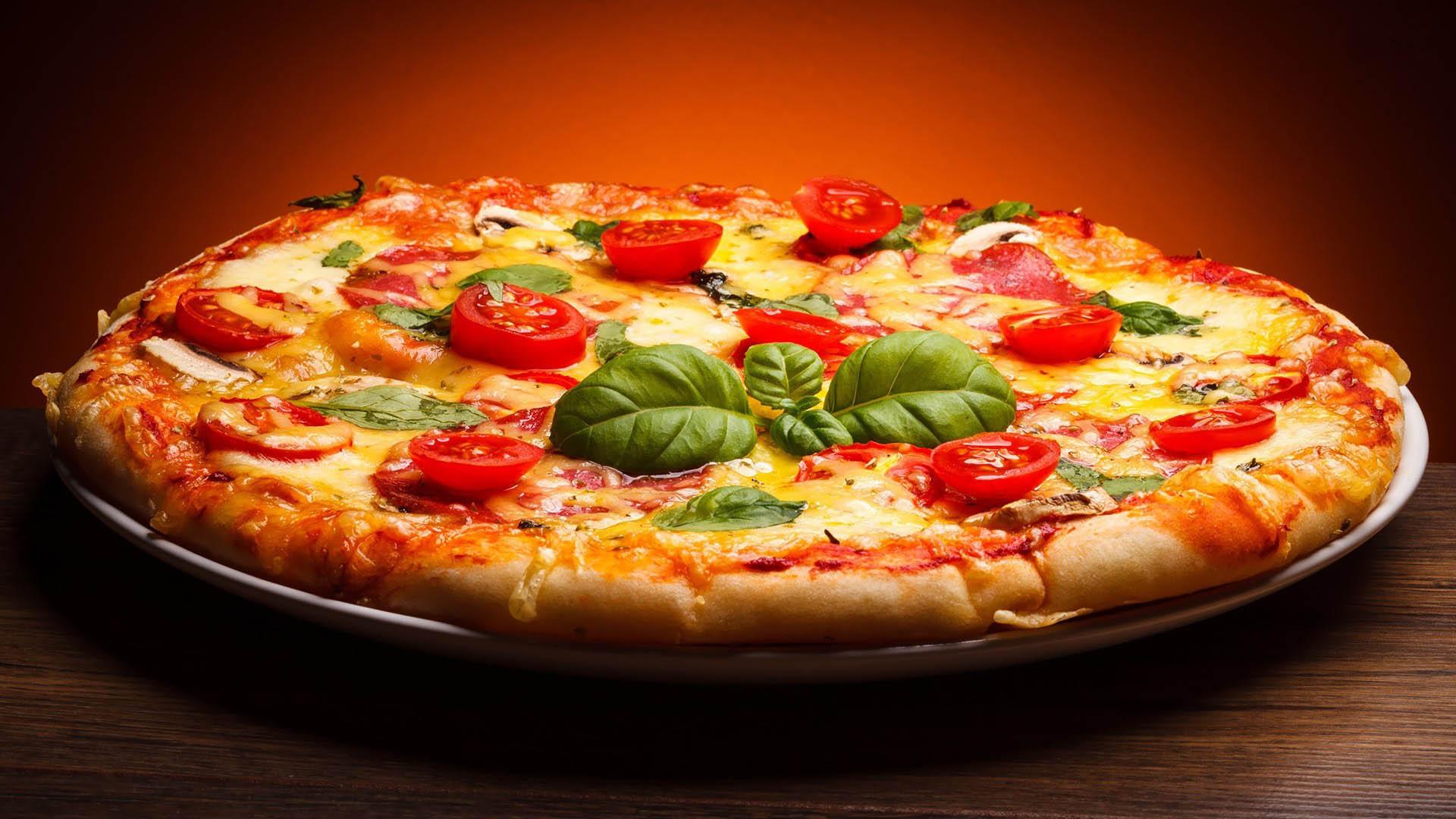 AG - Pizza / Pizza-Brötchen backen