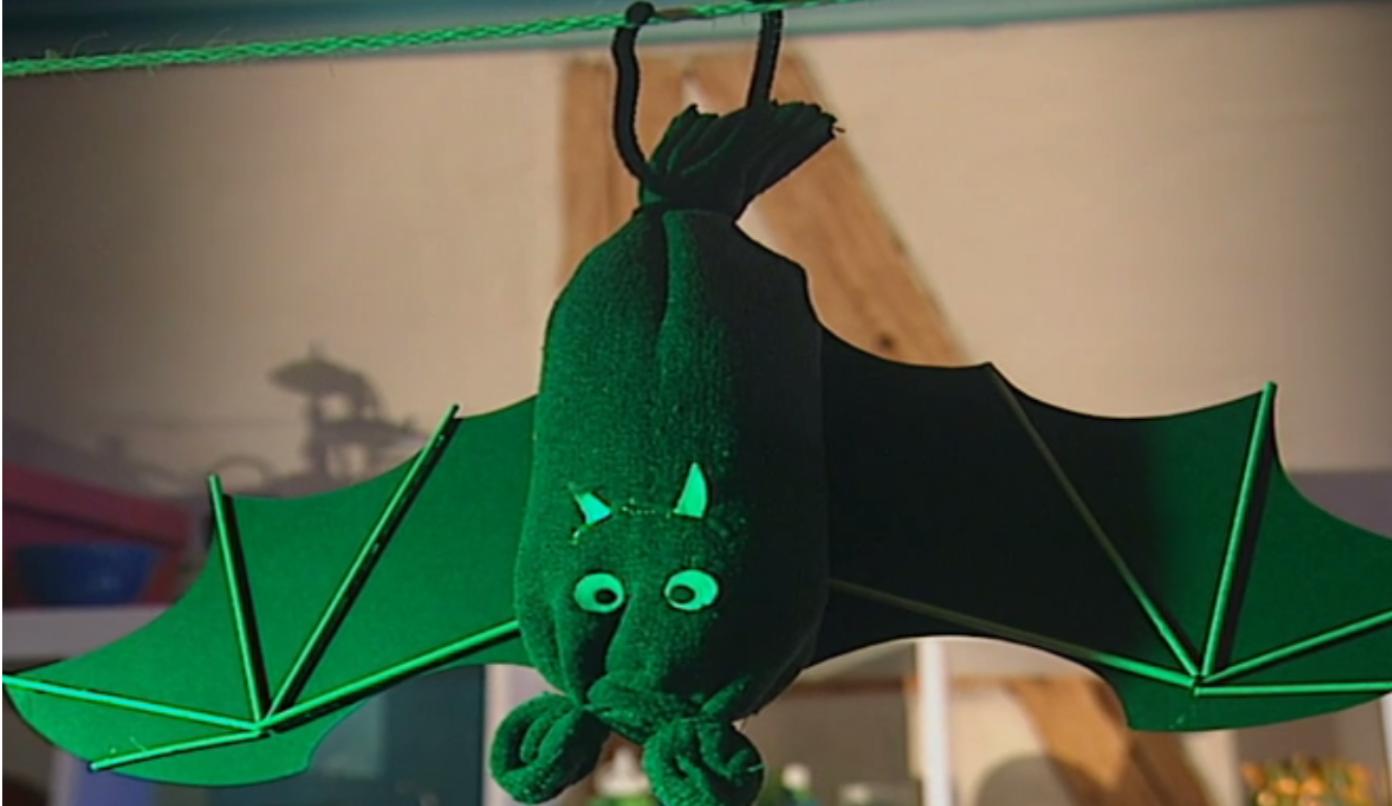 AG - Wir basteln Fledermäuse, Geister und Spinnen